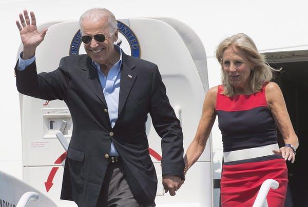 Biden and his wife, Jill Biden, arrive at the airport in Richmond, B.C. in 2015 when he was serving as U.S. vice-president.