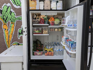 Calgary Community Fridge is located in the Crescent Heights neighborhood