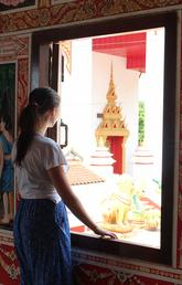 Peeace visited That Luang, one of the most famous temples in Laos.